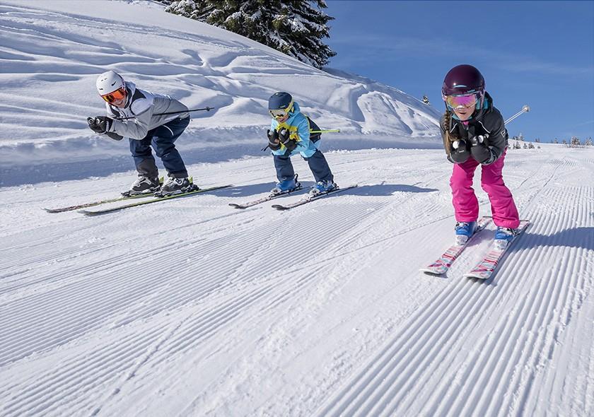 Pesona Wisata Ski Es Mont Saint Sauveur, Kanada