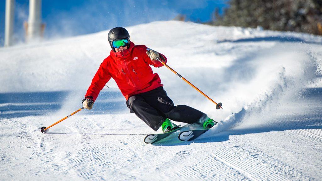 Asyiknya Main Judi Slot Online Sambil Wisata Ski Es di Gunung Mont Saint Sauveur, Kanada